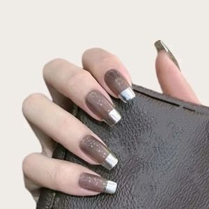 Two tone color nails